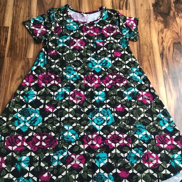 LuLaRoe Dresses & Skirts - LuLaRoe, UNICORN Carly, size XS